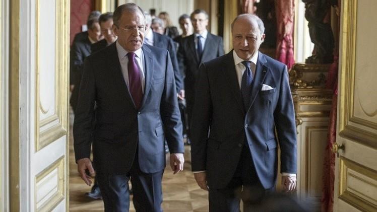 لافروف وفابيوس يؤكدان أهمية مباحثات مينسك بشأن أوكرانيا