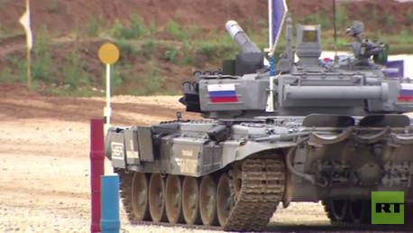 بياتلون الدبابات في ضواحي موسكو