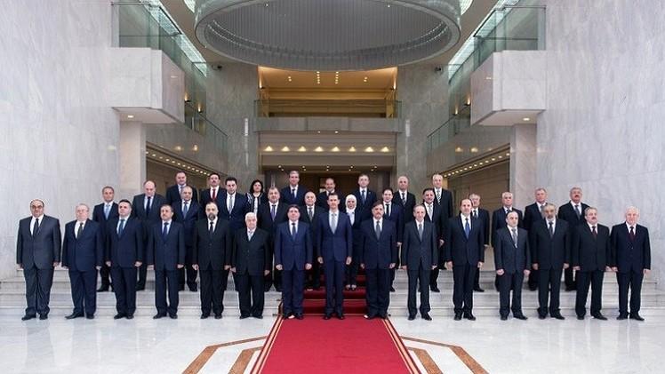 الحكومة السورية برئاسة الحلقي تؤدي اليمين الدستورية أمام الأسد