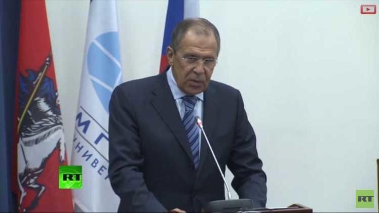 لافروف: روسيا لن تتدخل عسكريا في النزاع الأوكراني