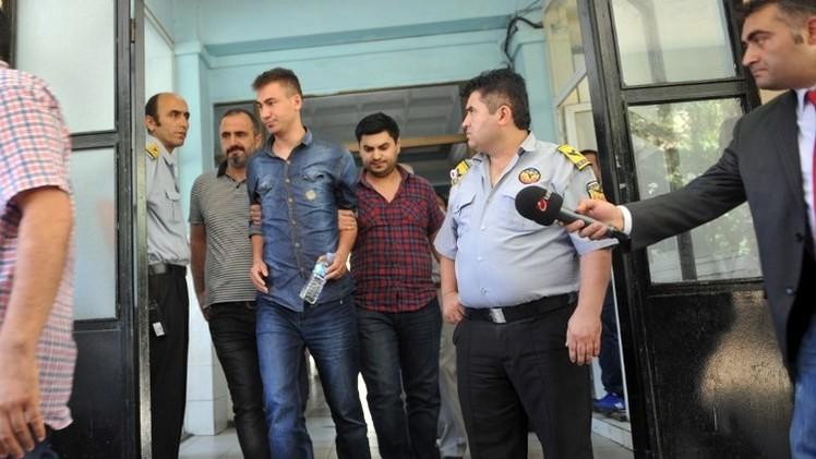 تركيا.. اعتقال العشرات من ضباط الشرطة بتهمة التآمر على الحكومة