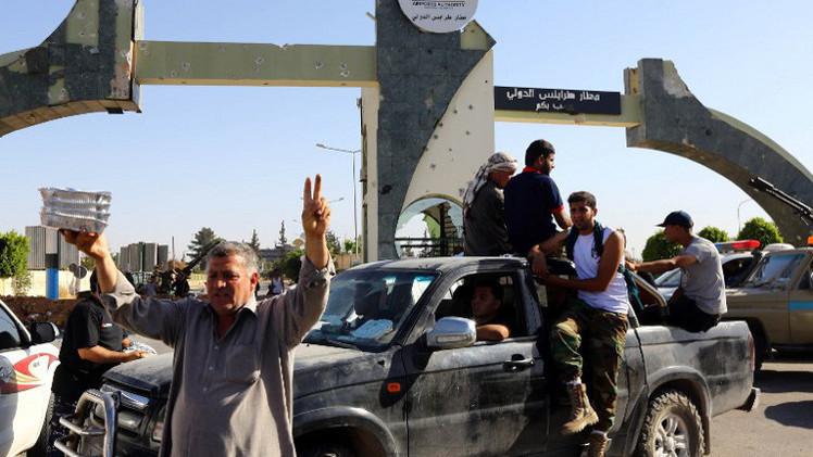 الحكومة الليبية المؤقتة تؤكد فقدان سيطرتها على معظم مقراتها بطرابلس