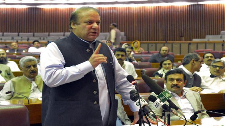رئيس الوزراء الباكستاني يرأس جلسة مشتركة لمجلسي البرلمان لبحث الأزمة السياسية
