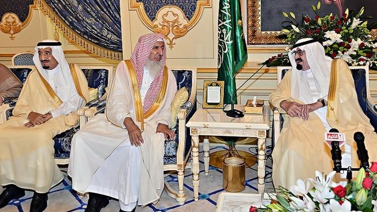 مفتي السعودية يحذر من الفتنة ويدعو الشباب للتعاون مع السلطات ضد المخططات الإرهابية