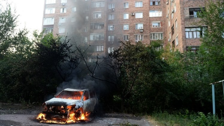 مقتل 5 مدنيين في دونيتسك واستمرار المعارك بالقرب من مدينة ماريوبل
