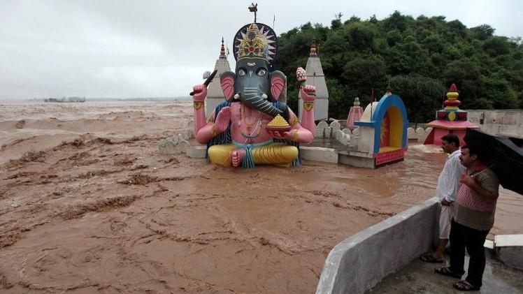 أكثر من 440 قتيلا جراء الفيضانات في الهند وباكستان
