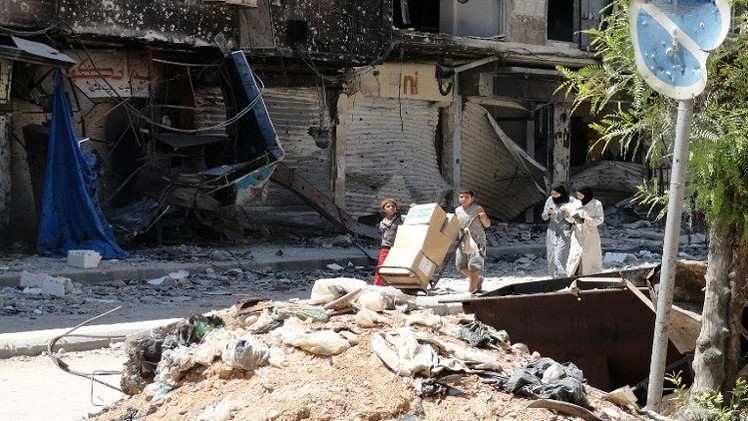 مقتل 60 شخصا في قصف جوي على الرقة ودير الزور