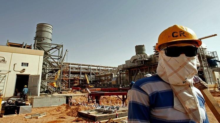 إنتاج النفط السعودي ينخفض في آب إلى نحو 9.6 مليون برميل يوميا