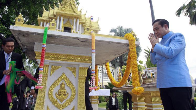 رئيس وزراء تايلاند الجديد يلجأ للشعوذة لدرء السحر