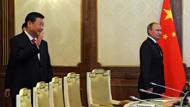 الرئيسان الروسي والصيني يبحثان الأزمة الأوكرانية في قمة