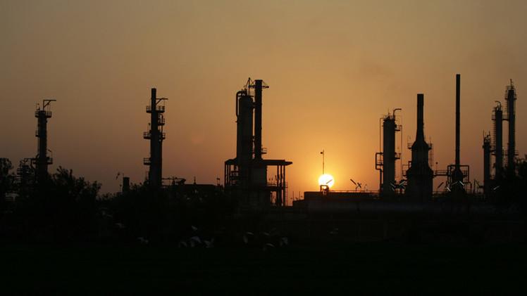 وزير مصري: سنستورد الغاز المسال من روسيا
