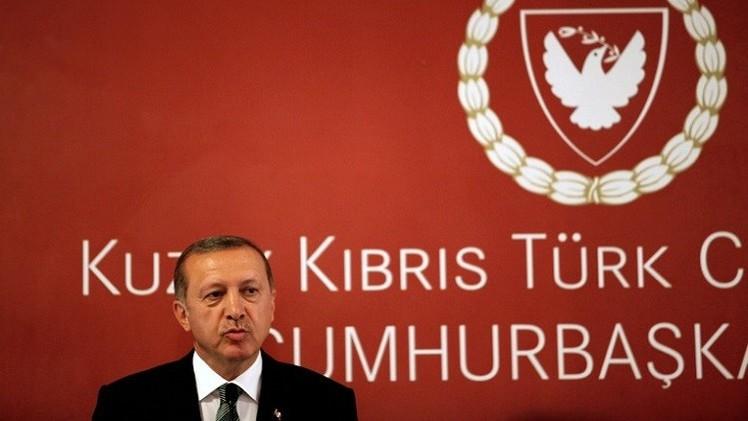 أردوغان يصادق على مشروع قانون يعزز الرقابة على الإنترنت