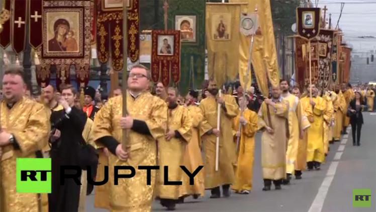 بالفيديو.. احتفال في سان بطرسبورغ بذكرى نقل رفات القديس ألكسندر نيفسكي