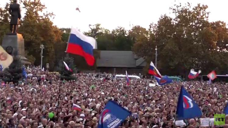 بالفيديو.. حفل جماهيري في سيفاستوبول دعما للانضمام إلى روسيا
