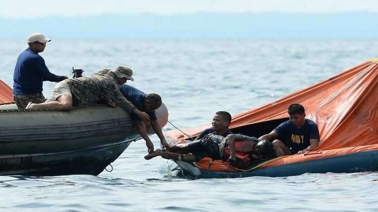 فقدان 21 شخصا في حادث غرق عبارة في الفلبين