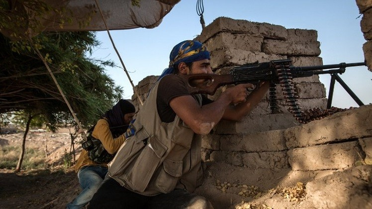 نشطاء: مقتل 19 مدنيا و15 مسلحا من