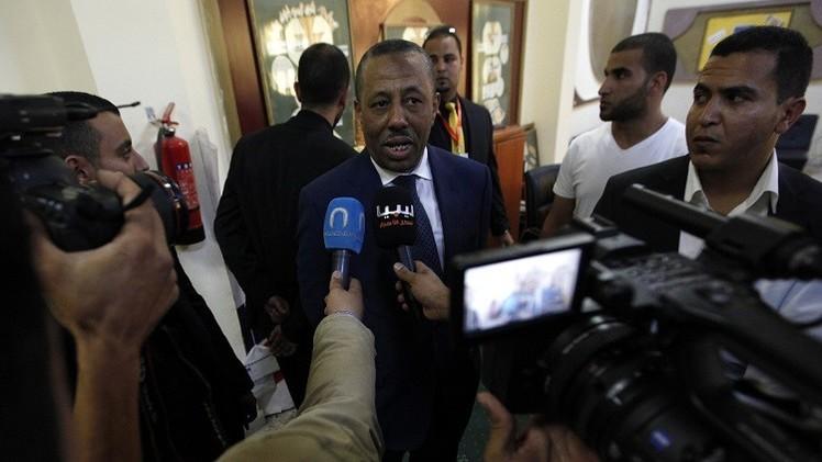 ليبيا.. الثني يتهم قطر بإرسال طائرات محملة بالأسلحة للمعارضة