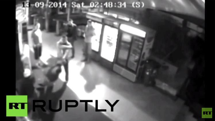 بالفيديو من بلغراد.. ضرب ناشط ألماني مدافع عن حقوق الشواذ