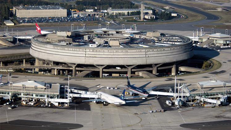 إضراب يشل نصف حركة الطيران لشركة