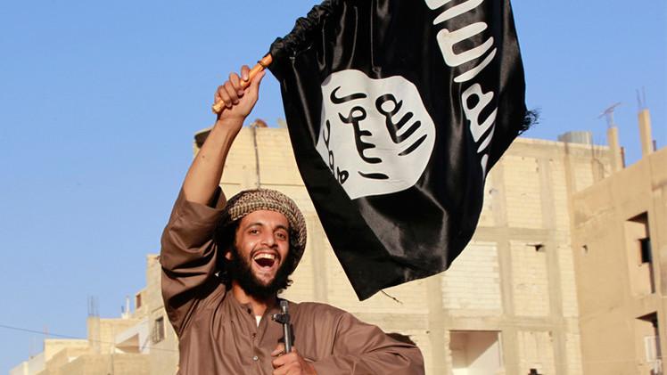تنظيم الدولة الإسلامية يجني أكثر من 3 ملايين دولار يوميا من مبيعات النفط