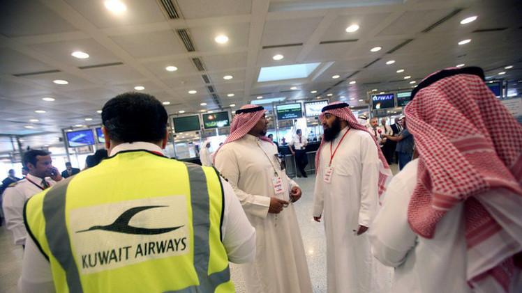 الكويت تمنع 800 من