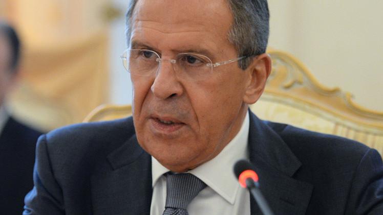 لافروف: الناتو يدفع كييف لاستخدام القوة في حل النزاع