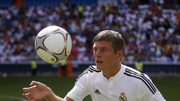لوف يشيد باللاعب توني كروس ويؤكد نجاحه في ريال مدريد