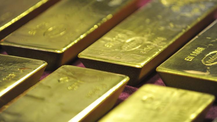 الذهب يتجه لتسجيل خسارة أسبوعية متأثرا بصعود الدولار