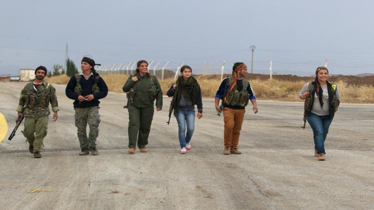 عبور بعض مقاتلي أكراد تركيا الحدود إلى سورية