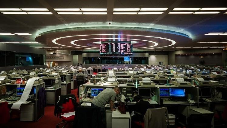 موسكو ستحث الشركات الروسية على طرح أسهمها في بورصة هونغ كونغ