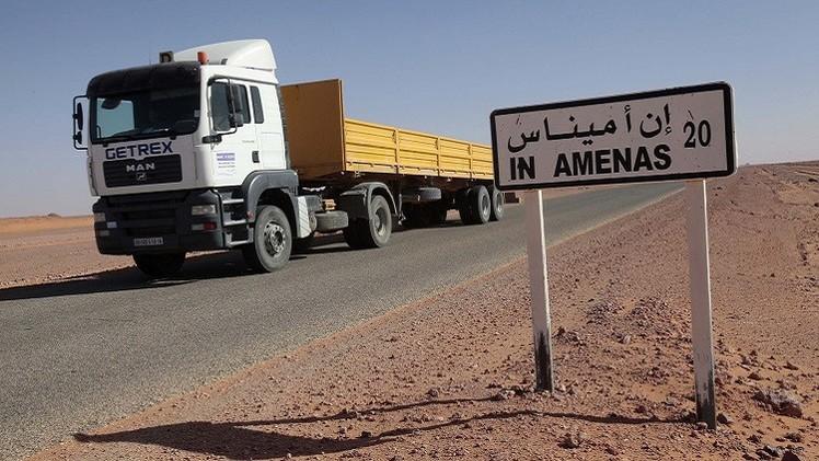 الجزائر تدرس الوضع الأمني على حدودها