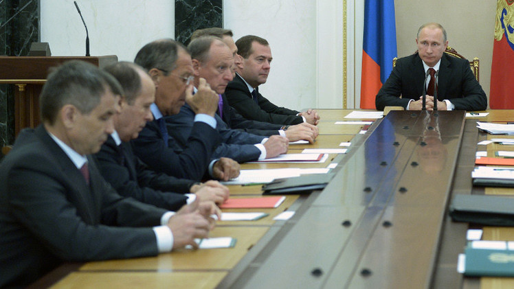 بوتين يناقش مع مجلس الأمن الروسي سبل مكافحة