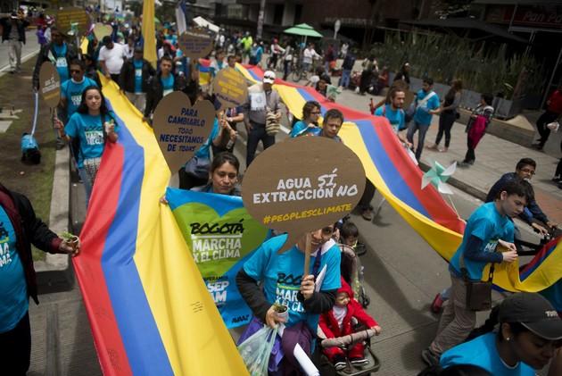 تظاهرات عالمية لحماية كوكب الأرض 54201f5a611e9b93718b