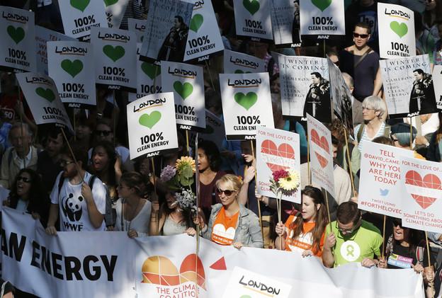 تظاهرات عالمية لحماية كوكب الأرض 54201f9a611e9b94718b