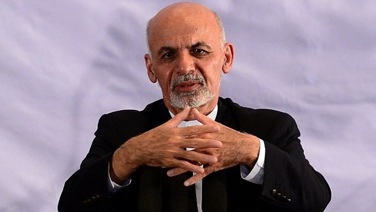 الرئيس الأفغاني الجديد يشيد بأول انتقال ديمقراطي للسلطة