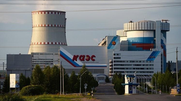 موسكو وعمان توقعان عقدا لبناء محطة كهروذرية