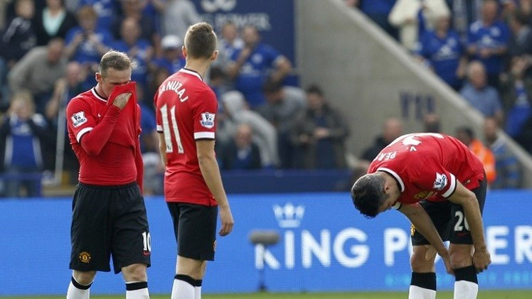 لاعبو مانشستر يونايتد يهاجمون مدربهم فان غال