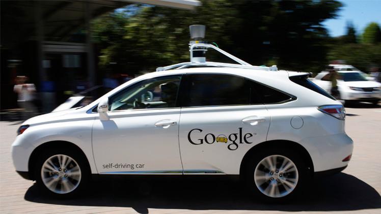 سيارات غوغل ذاتية القيادة مسموح لها السير الآن في شوارع كاليفورنيا