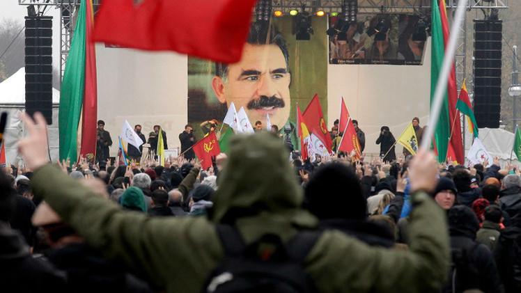 أوجلان يدعو الأكراد للاتحاد بوجه تنظيم الدولة الإسلامية
