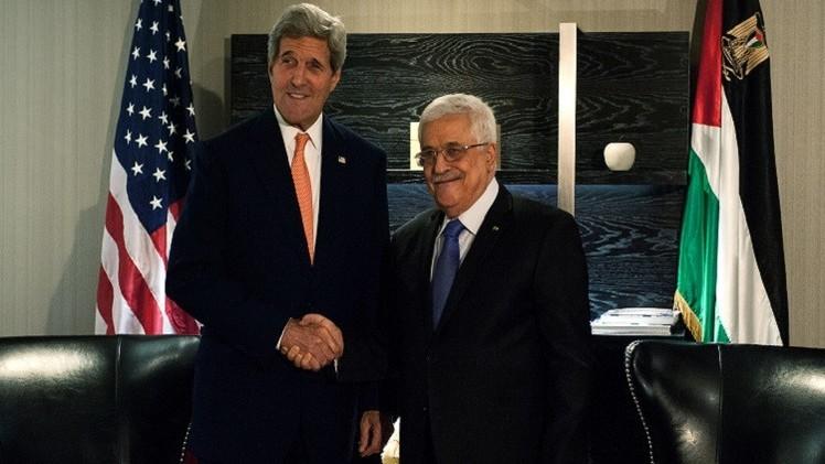 اتفاق بين عباس وكيري حول إعادة إعمار قطاع غزة