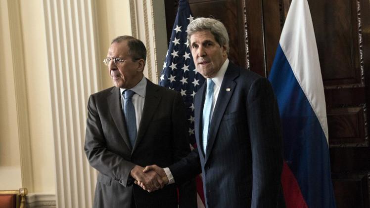 لافروف وكيري يبحثان الأزمة الأوكرانية ومحاربة