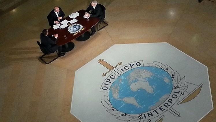 الإنتربول يضع برنامجا لرصد تحركات المقاتلين الدوليين