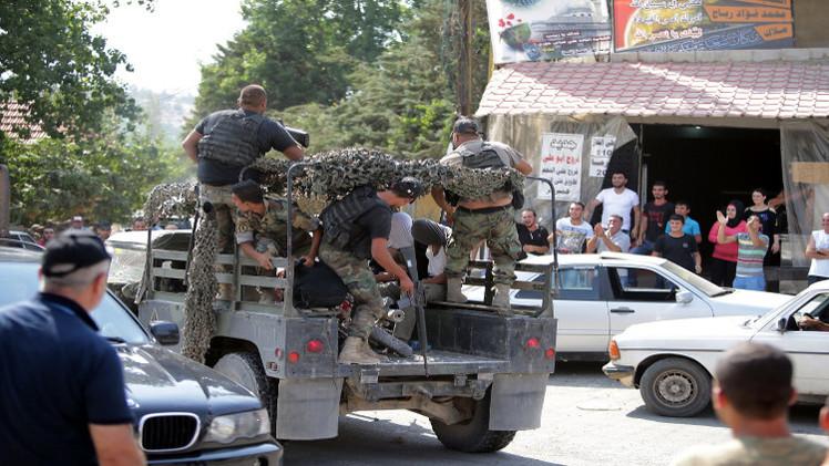 الجيش اللبناني يعلن مقتل شخص خلال عمليات تفتيش عن متشددين في عرسال ويحتجز 450 هناك