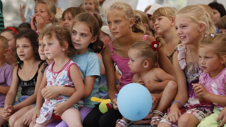الأمم المتحدة: عدد النازحين داخل أوكرانيا ربما يبلغ 900 ألفا