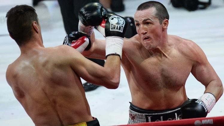 الملاكم الروسي ليبيديف يسقط متحديه البولندي كولودزيه بالضربة القاضية