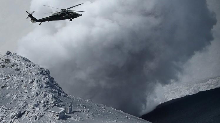 مصرع 30 شخصا جراء انفجار بركان وسط اليابان