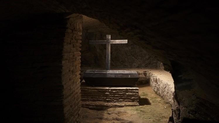 دفن امرأة حية بالخطأ في اليونان