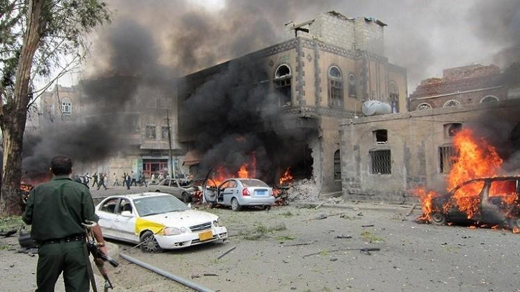 عشرات الضحايا بتفجير سيارة مفخخة شرق اليمن