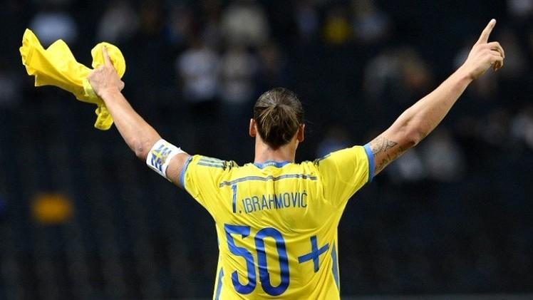 مدرب السويد يستدعي إبراهيموفيتش لتصفيات أوروبا رغم إصابته