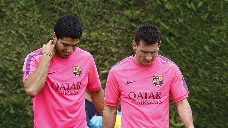 ميسي يتفائل بالخير بقدوم سواريز إلى برشلونة
